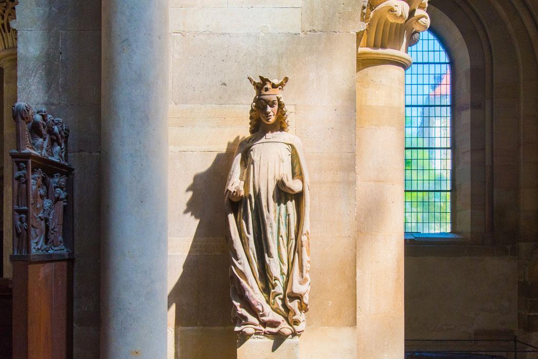 Dom Magdeburg Statue der Heiligen Katharina